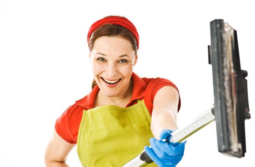 Как чистить защитные ролеты