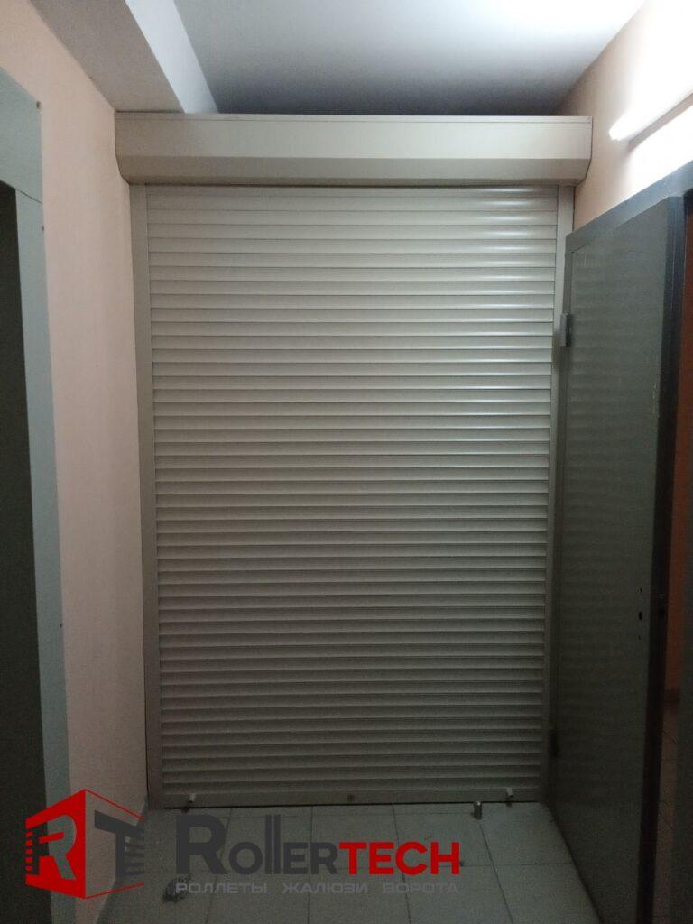 двери роллеты для кладовки фото